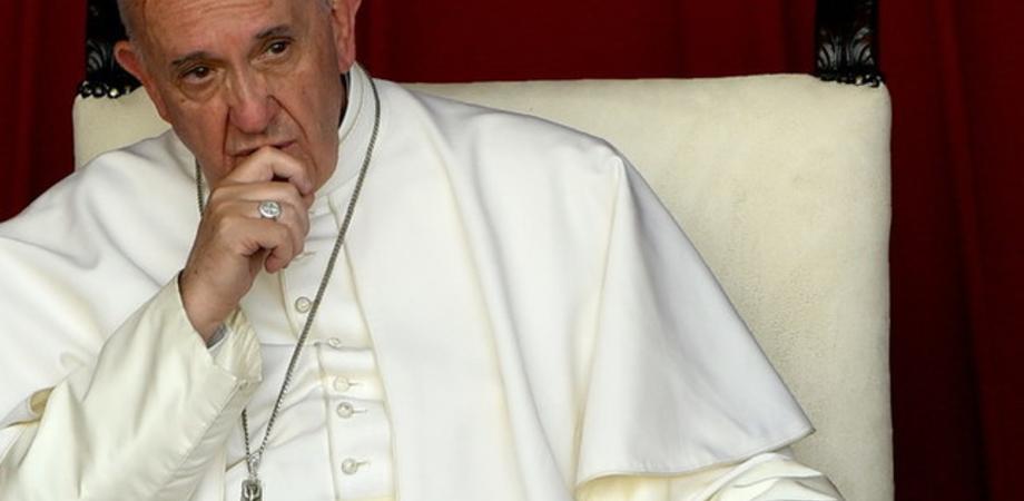 """Migranti, Papa Francesco: """"La Libia è un inferno, Dio chiede di farli sbarcare"""""""