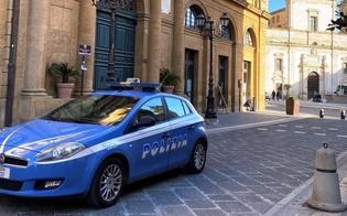 http://www.seguonews.it/caltanissetta-si-rifiutano-di-sciogliere-un-assembramento-in-piazza-garibaldi-denunciati