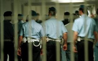 https://www.seguonews.it/al-carcere-di-san-cataldo-aggressione-di-massa-contro-gli-agenti-di-polizia-penitenziaria-diversi-i-feriti