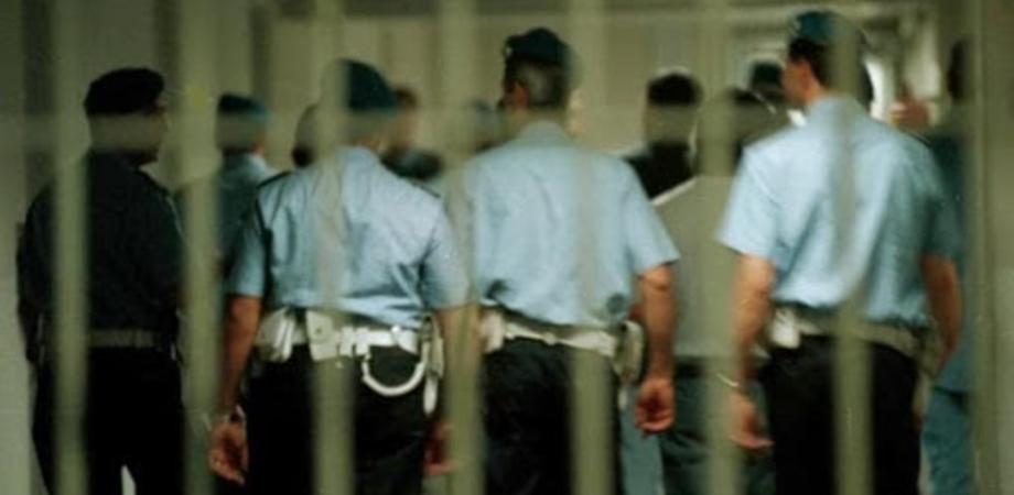 Al carcere di San Cataldo aggressione di massa contro gli agenti di polizia penitenziaria: diversi i feriti
