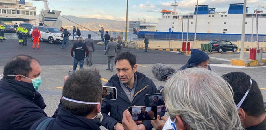 """Coronavirus, Razza presiede vertice su controlli a Messina: """"Chi arriva in Sicilia deve stare a casa"""""""