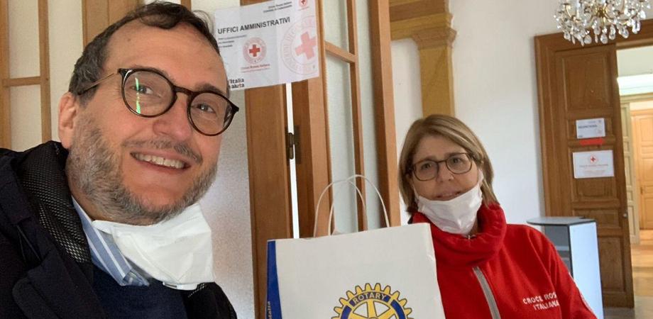 Caltanissetta, il Rotary consegna alla Croce Rossa 100 mascherine: sono destinate ai volontari dei servizi sanitari