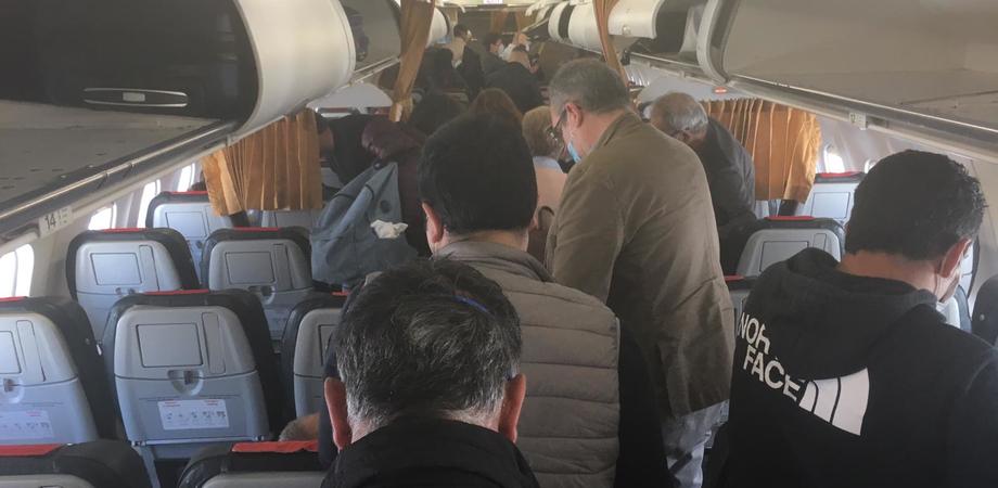 """Coronavirus, Musumeci: """"Su volo Catania-Roma Alitalia non ha rispettato misure di sicurezza"""""""