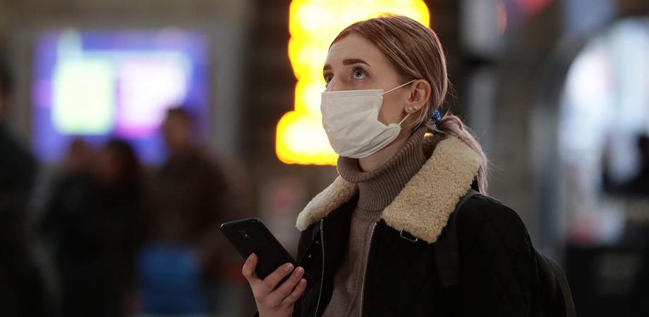 Coronavirus, nel nuovo dpcm mascherina obbligatoria nei luoghi pubblici oltre Ferragosto