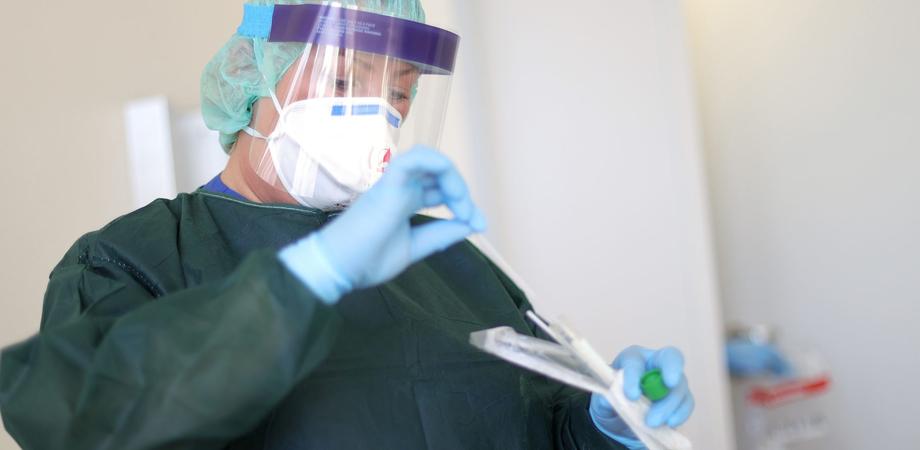 Coronavirus, la Sicilia è la regione in percentuale con meno contagi d'Italia: è positivo solo lo 0,04%
