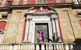 http://www.seguonews.it/unimmagine-che-restera-nella-storia-gesu-nazareno-solo-e-senza-la-sua-barca-infiorata-guarda-caltanissetta