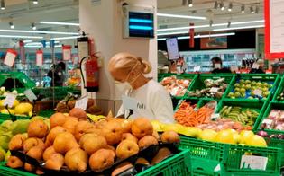http://www.seguonews.it/caltanissetta-confcommercio-nelle-attivita-commerciali-con-guanti-e-mascherine-accessi-regolamentati-e-locali-puliti