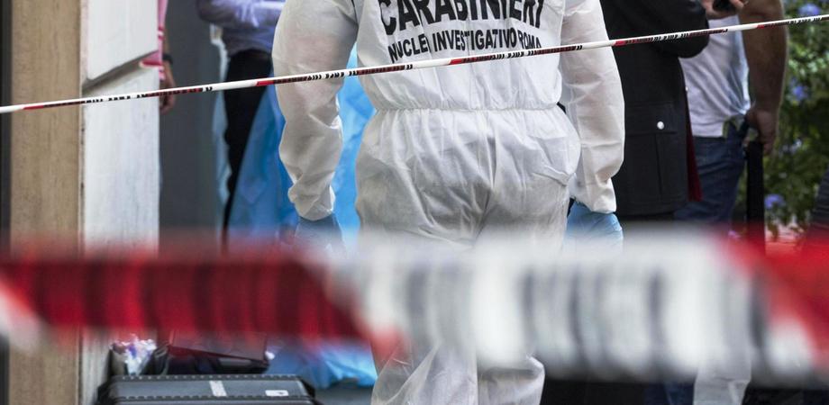 Omicidio per strada a Grotte, tabaccaio ucciso a coltellate dal fratello