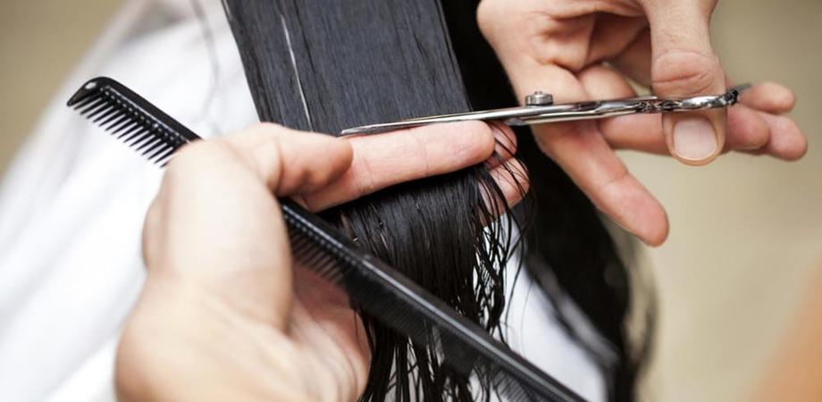 """Parrucchieri, barbieri ed estetiste nisseni chiedono un aiuto concreto al sindaco: """"La riapertura comporterà tante difficoltà. Nel frattempo no a chi lavora in nero"""""""