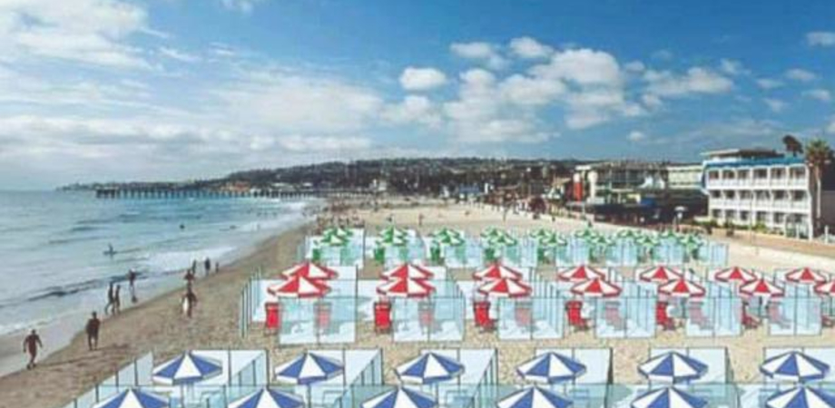 Al mare con i separè di plexiglass, l'idea di un'azienda modenese per salvare la stagione balneare