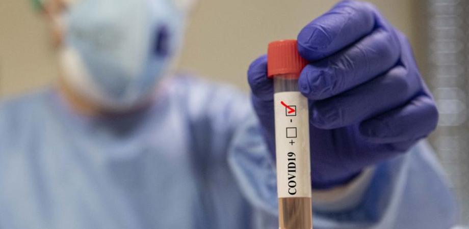 Coronavirus, in Sicilia con i tamponi rapidi già individuati un migliaio di positivi