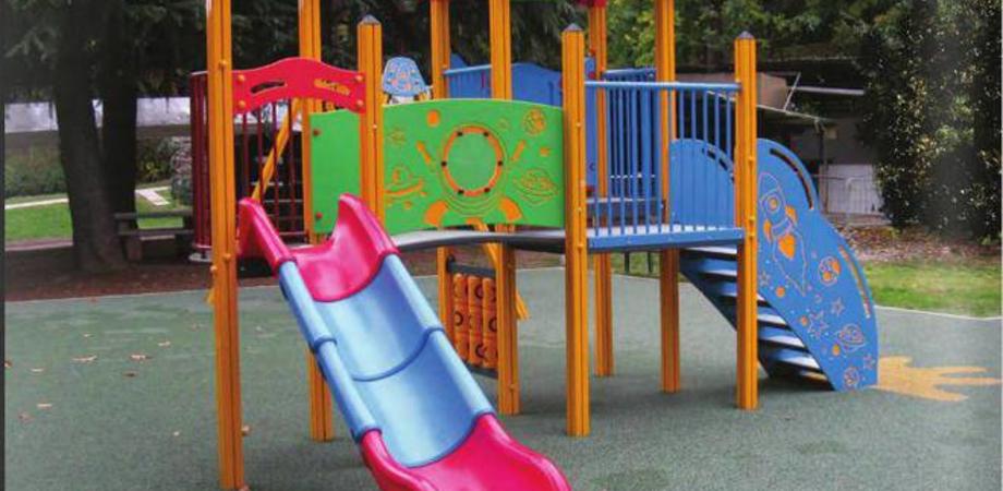Gela, villetta di Macchitella e via Urali: nei giardini pubblici riaprono i giochi per bambini