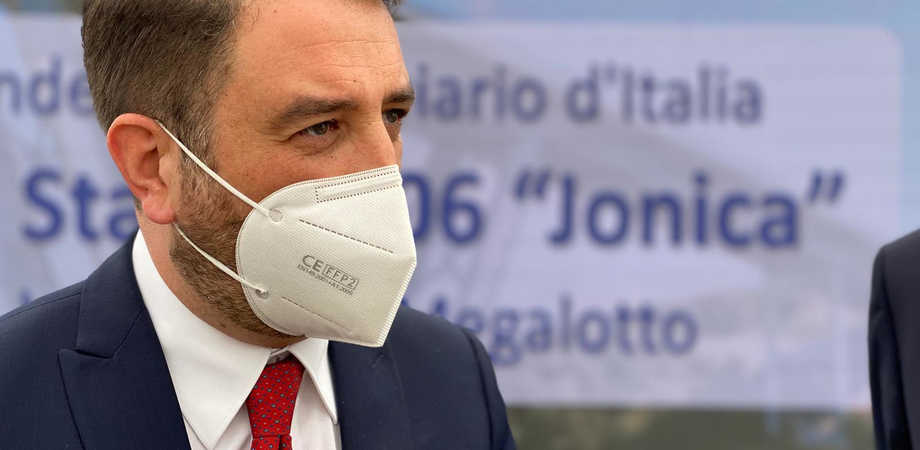 """Cancelleri: """"Quasi ultimata la fermata Fontanarossa"""". Sarà raggiungibile in treno anche da Caltanissetta"""