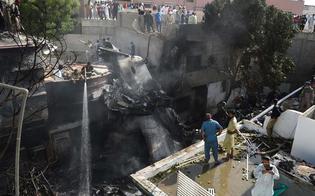 https://www.seguonews.it/aereo-precipitato-in-pakistan-il-bilancio-e-di-97-morti-e-2-sopravvissuti-forse-problema-tecnico
