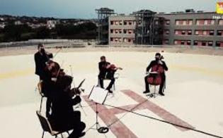 http://www.seguonews.it/anniversario-statuto-regione-ringrazia-personale-della-sanita-con-la-cavalleria-rusticana-sul-tetto-di-un-pronto-soccorso