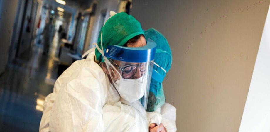 Coronavirus, bollettino 21 giugno: in Italia mai così poche vittime (+24), diminuiscono i malati