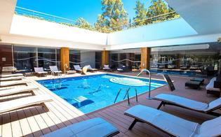 http://www.seguonews.it/vacanze-gratis-in-sicilia-per-gli-eroi-della-sanita-lombarda-a-cefalu-un-hotel-li-ospitera-per-una-settimana