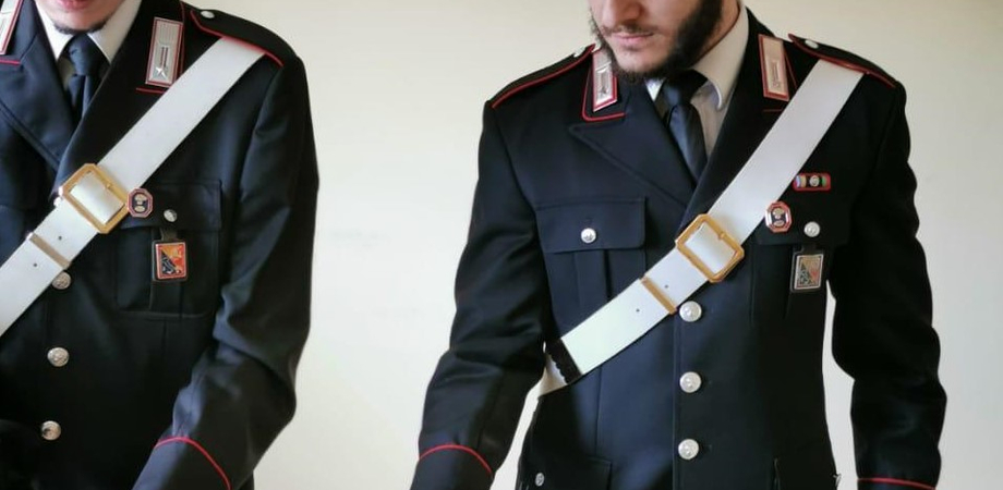 Arrestato un pastore niscemese: nascondeva una penna-pistola in una masseria situata a Mazzarino