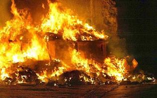 Rifiuti dati alle fiamme alla Provvidenza, Aiello attacca: