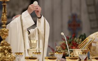 https://www.seguonews.it/chiesa-da-domenica-cambiano-regole-e-preghiere-in-arrivo-un-nuovo-padre-nostro