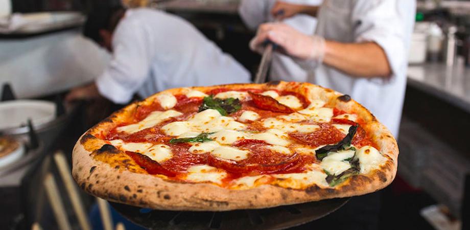 Caltanissetta, pizzaiolo aggredito da due persone finisce in ospedale
