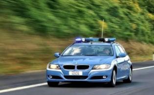 Tamponato da auto a tutta velocità poliziotto nisseno insegue il fuggiasco: giovane arrestato. Con s� aveva la cocaina