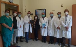 http://www.seguonews.it/san-cataldo-donati-due-tablet-per-i-pazienti-dellhospice-che-vogliono-videochiamare-i-familiari