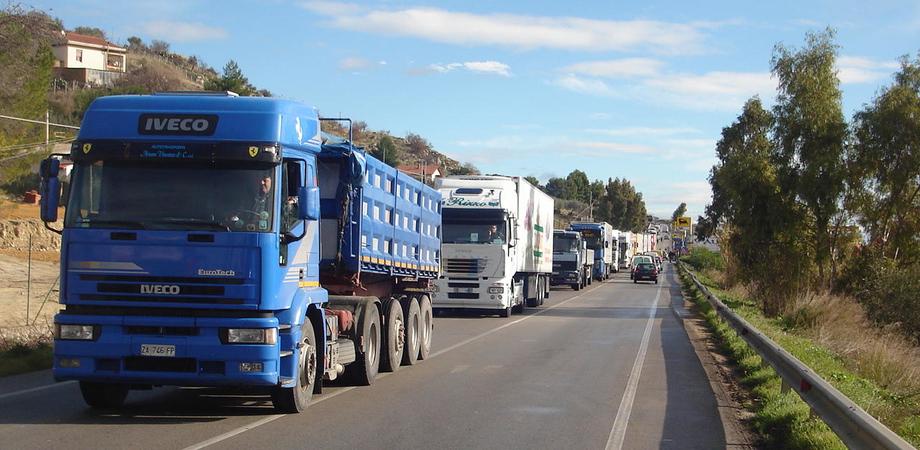 Gela, chiuso il terminal per la movimentazione delle merci: autotrasportatori in stato di agitazione
