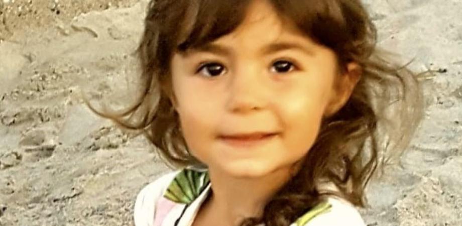 Beatrice a quattro anni ha un rarissimo tumore, al via una raccolta fondi per salvare la piccola
