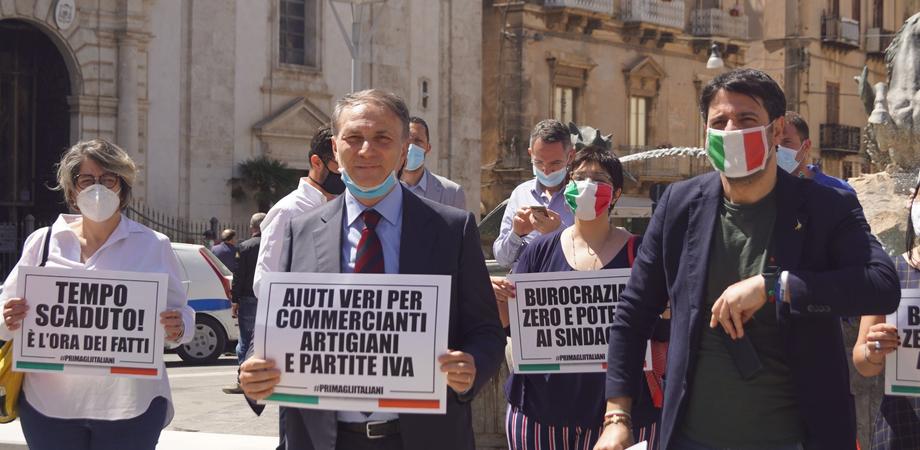 Centrodestra in piazza a Roma, chiesti allo Stato aiuti immediati per permettere a tutti di ripartire