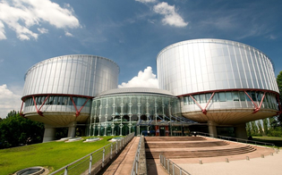 http://www.seguonews.it/senatore-condannato-per-mafia-chiede-il-vitalizio-la-corte-europea-ammette-il-ricorso