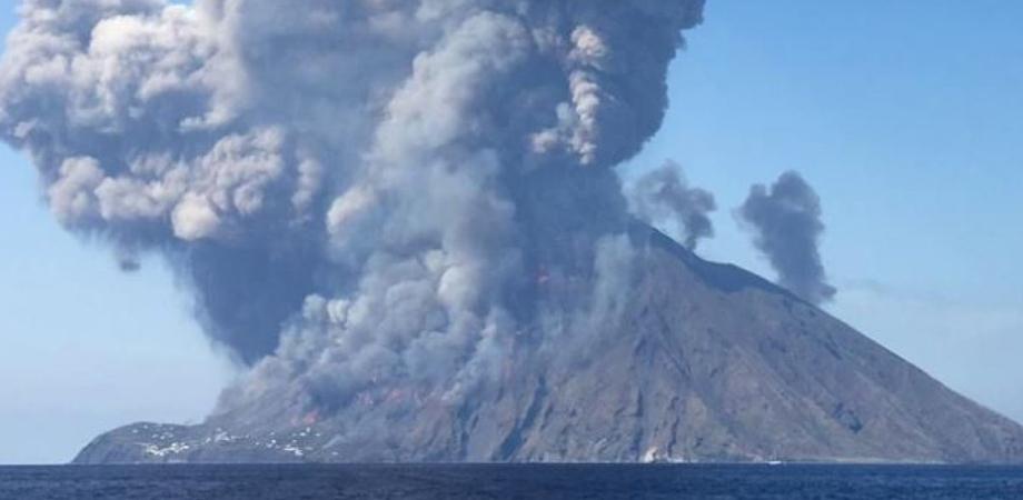 Fuggì dopo l'eruzione: indagato medico in servizio a Stromboli