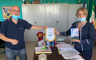 Il Rotary dona al Carafa di Mazzarino alcune copie del libro