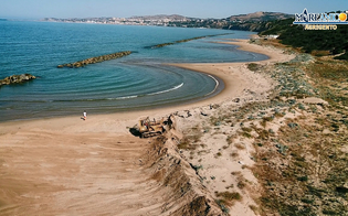 https://www.seguonews.it/agrigento-mareamico-distrutte-dalle-ruspe-le-dune-della-spiaggia-di-maddalusa