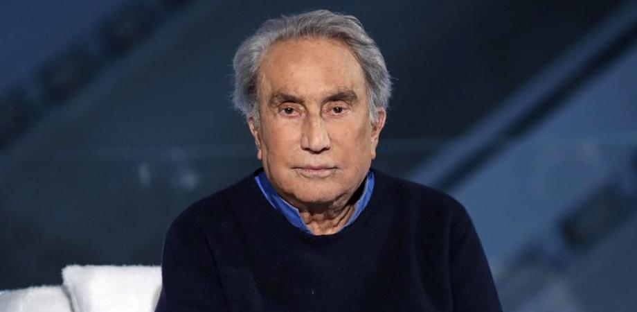 Investito da un'auto, il giornalista Emilio Fede ricoverato al San Raffaele di Milano