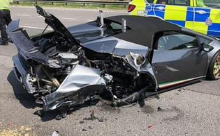 http://www.seguonews.it/compra-una-lamborghini-e-la-distrugge-in-un-incidente-dopo-appena-20-minuti-dallacquisto