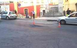 Caltanissetta, strada sprofonda al passaggio del bus: sul posto Polizia Municipale e tecnici