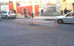 http://www.seguonews.it/caltanissetta-strada-sprofonda-al-passaggio-del-bus-sul-posto-polizia-municipale-e-tecnici