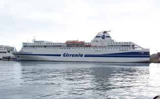 https://www.seguonews.it/cade-dal-traghetto-palermo-napoli-e-finisce-in-mare-trovato-vivo-dopo-ore