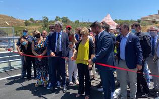 http://www.seguonews.it/aperto-al-traffico-il-nuovo-viadotto-petrusa-colleghera-agrigento-a-favara