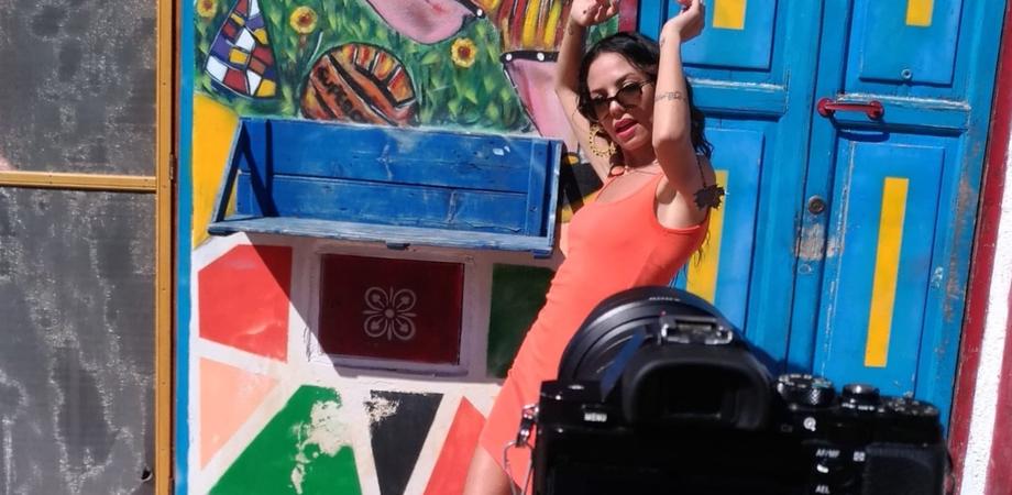 """""""Sogno d'Estate"""", la cantautrice nissena Cristina Gangi ritorna sulle scene. Presto il suo brano sarà sui digital store musicali"""