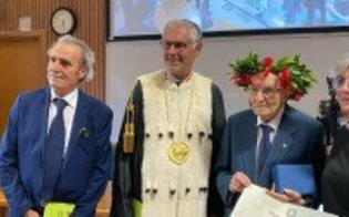 http://www.seguonews.it/si-laurea-a-palermo-a-97-anni-con-110-e-lode-nonno-giuseppe-e-lo-studente-piu-anziano-ditalia