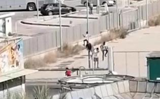 https://www.seguonews.it/emergenza-anche-a-porto-empedocle-520-migranti-ammassati-in-100-fuggono