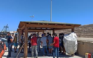 http://www.seguonews.it/sbarchi-a-lampedusa-25-migranti-positivi-al-covid-fsp-polizia-servono-protocolli-di-intervento-sanitari-stabili-e-rapidi