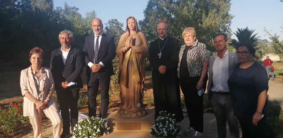 Un'opera dedicata alla Madonna, un roseto e un giardino sensoriale: l'Asp di Caltanissetta riapre il Parco Dubini alla cittadinanza