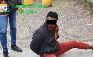 http://www.seguonews.it/anche-le-orge-nella-caserma-dei-carabinieri-di-piacenza-il-comandante-di-petralia-sottana-e-ai-domiciliari