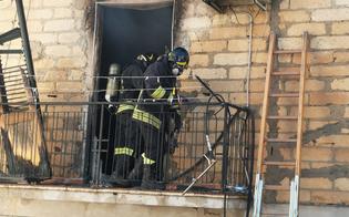 Paura a Riesi, a fuoco un'abitazione: salvati madre, due figli e un gatto