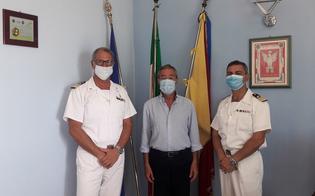 http://www.seguonews.it/cambio-di-guardia-alla-capitaneria-di-porto-di-gela-carbonara-lascia-il-comando-a-donato