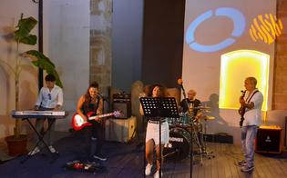 http://www.seguonews.it/gela-la-jam-session-della-mandragola-incanta-leschilo-lab-sul-palco-il-cuore-e-il-talento-di-simona-e-sharon