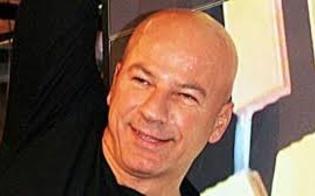 Gela, intimidazione al cabarettista Giovanni Cacioppo: incendiato il suo fuoristrada